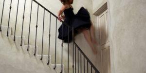 danse dans un escalier